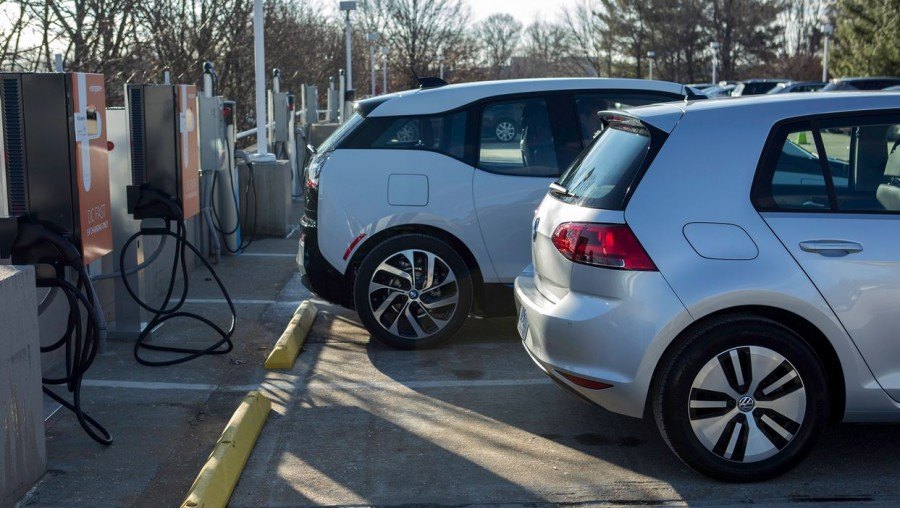 e-golf-i3-chargepoint-charging