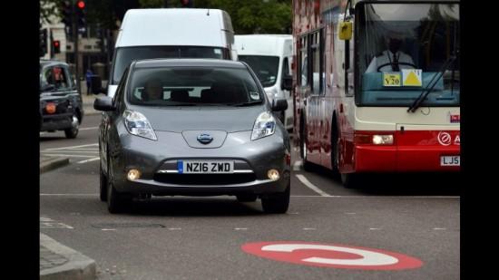Nissan LEAF se asocia con Uber para el desarrollo de un proyecto