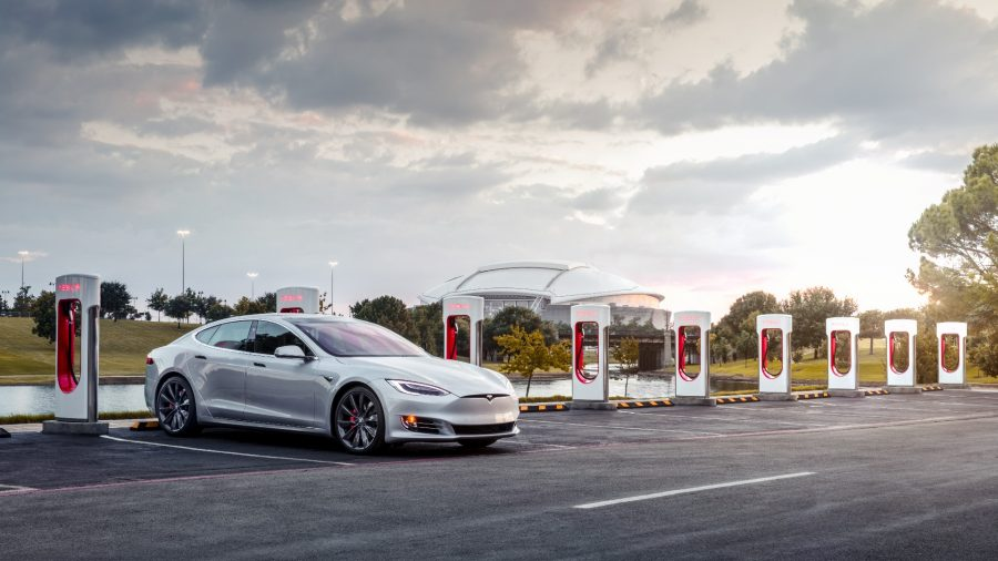 Tesla Model S en Supercharger Arlington