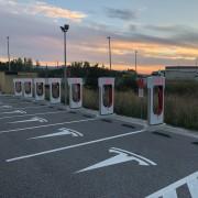 Foto 1 del punto Tesla Supercharger Bembibre