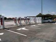 Foto 1 del punto Tesla Supercharger Manzanares