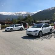 Foto 1 del punto Tesla Superladestasjon Bismo, Skjåk