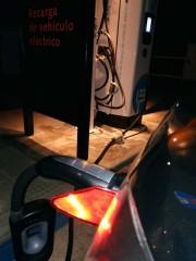 Foto 4 del punto Estación de recarga IBIL Gasolinera Repsol Alovera
