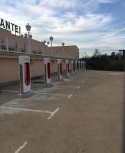 Foto 7 del punto Tesla Supercharger Almaraz