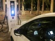 Foto 1 del punto Electrolinera AMB 02 - carrer Baltasar Oriol - Cornellà de Llobregat