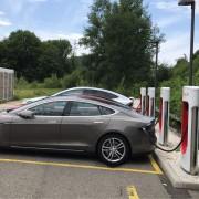 Foto 3 del punto Pratteln Tesla Supercharger