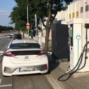 Foto 1 del punto Electrolinera AMB 09 - carrer Arquímedes - Barberà del Vallès