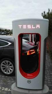 Foto 2 del punto Tesla SuperCharger Montemor-o-Novo