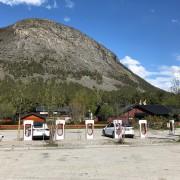 Foto 2 del punto Tesla Superladestasjon Bismo, Skjåk