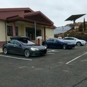Foto 11 del punto Supercargador Tesla Ariza