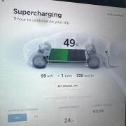 Foto 3 del punto Tesla Supercharger Guarromán