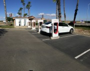 Foto 3 del punto Harris Ranch Inn and Restaurant - Tesla