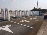 Foto 9 del punto Tesla Supercharger Manzanares