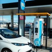 Foto 6 del punto Estación de recarga IBIL Gasolinera Repsol Alovera