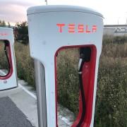Foto 2 del punto Tesla Supercharger Bembibre