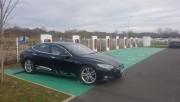 Foto 2 del punto Kyriad Hotel Tesla supercharger