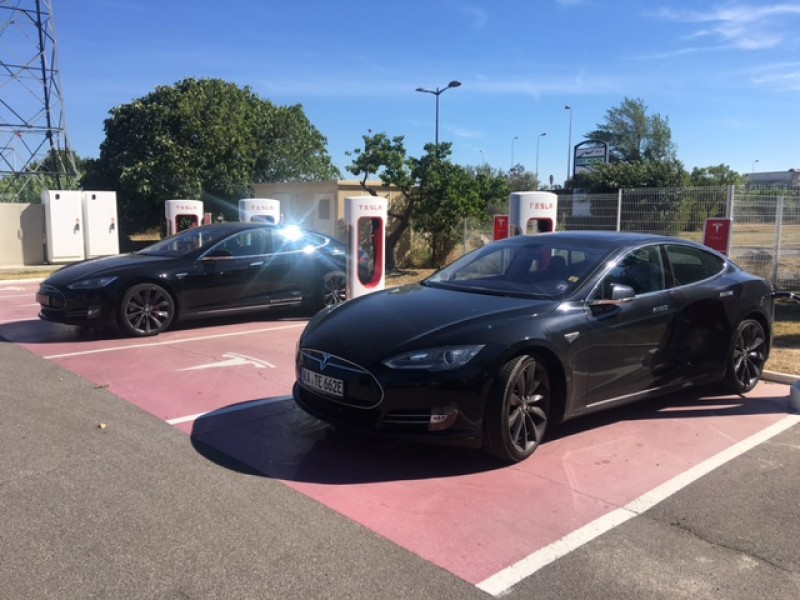 tesla model s 85 kwh del 2015 en barcelona de segunda mano. Black Bedroom Furniture Sets. Home Design Ideas