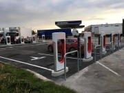Foto 7 del punto Tesla Supercharger Guarromán