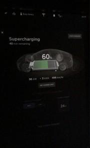 Foto 4 del punto Tesla Supercharger Fátima