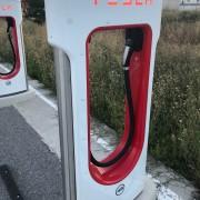 Foto 3 del punto Tesla Supercharger Bembibre