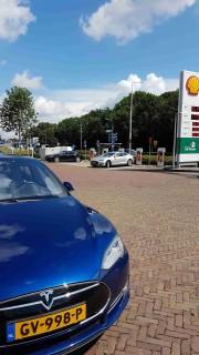 Foto 1 del punto Tesla Supercharging station - ZEVENAAR